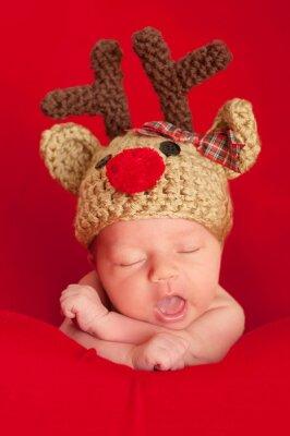 Bild Neugeborenes Baby trägt einen Red-Nosed Reindeer Hat