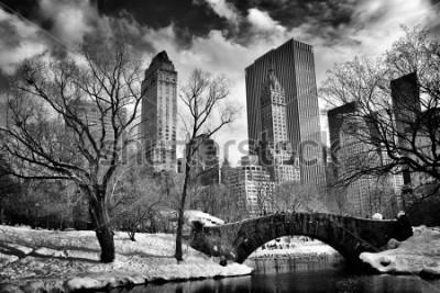 Bild New York City - Central Park in winter -Gapstow bridge