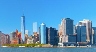 Bild New York City Manhattan Wall Street Finanzbezirk Gebäude Skyline an einem schönen Sommertag mit blauem Himmel