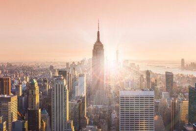 Bild New York City Skyline von Manhattan im Sonnenuntergang.
