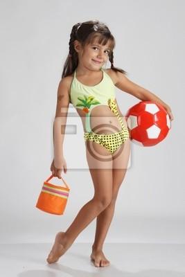 Niedlichen Mädchen In Badeanzug Bereit Für Den Strand Leinwandbilder Bilder Cutie Badeanzug Fußball Myloview De