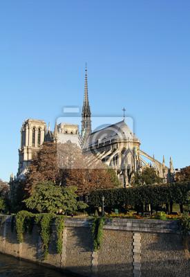 Notre Dame bei Sonnenaufgang