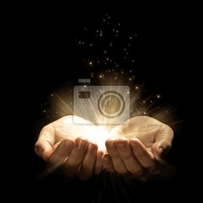 Öffnen Sie die Hände glühen