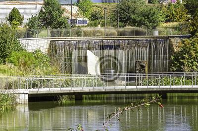 Bild Old 4th Ward Park beruhigenden fließenden Wasser Retention Pond.
