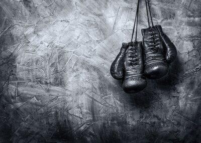 Bild old boxing gloves
