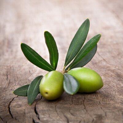 Bild Oliven mit Blättern
