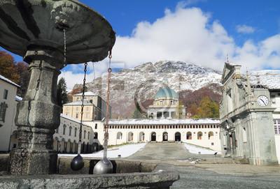 Oropa Heiligtum Brunnen Detail