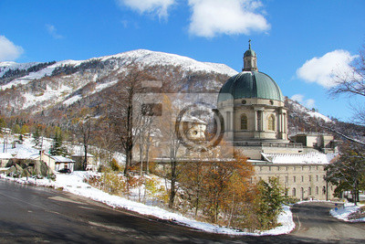 Oropa Heiligtum zwischen Herbst und Winter