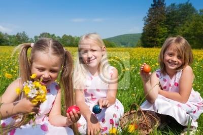 Bild Ostern - Kinder suchen Ostereier