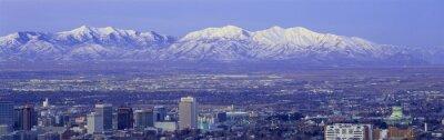 Bild Panorama Sonnenuntergang in der Salt Lake City mit Schnee bedeckten Wasatch Mountains
