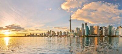 Bild Panorama von Toronto Skyline bei Sonnenuntergang in Ontario, Kanada.