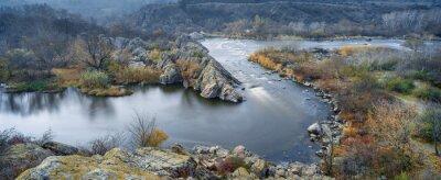 Bild Panoramablick auf den Fluss im Herbst