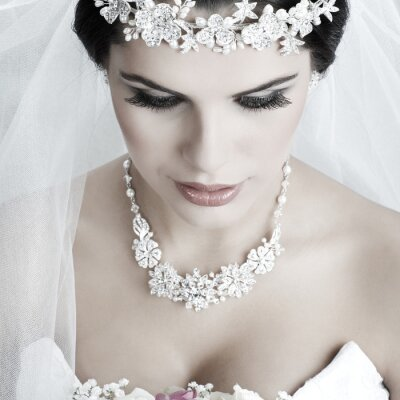 Bild Portrait der schönen Braut. Hochzeitskleid. Hochzeitsdekoration