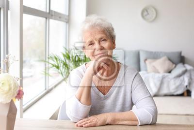 Bild Portrait of senior woman at home