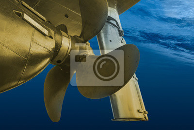 Bild Propeller and rudder of big ship underway view from underwater. Close up image detail of ship.