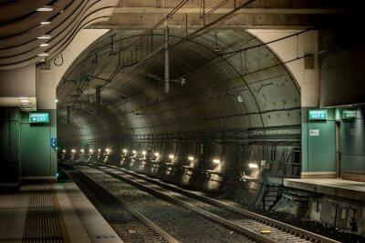 Bild railway station and tunnel