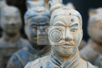 Replik einer Terrakotta-Krieger-Skulptur in Xian, China gefunden