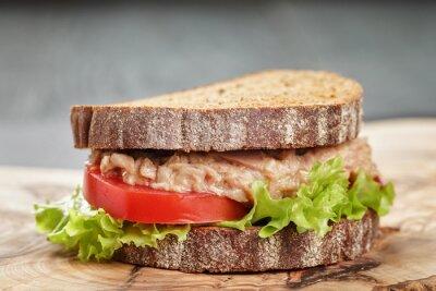 Bild Roggenbrot Sandwich mit Thunfisch und Gemüse