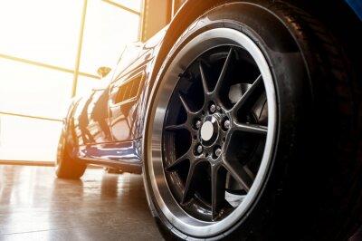 Bild Rückseite eines generischen blauen Sportwagens