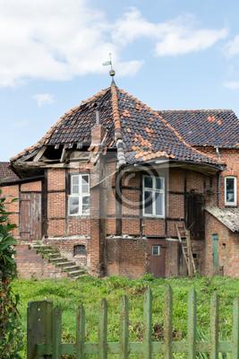 Ruine, Rundbau, Wetterfahne