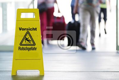 Rutschgefahr schild zur warnung leinwandbilder u bilder verletzt