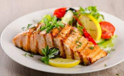 Bild Salmon with  fresh salad.