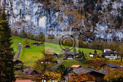 Bild Scenic view of Lauterbrunnen village in winter time, Switzerland