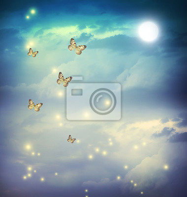 Schmetterlinge in einer Fantasy-Landschaft moonligt
