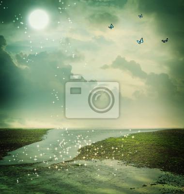 Schmetterlinge und Mond in Fantasielandschaft