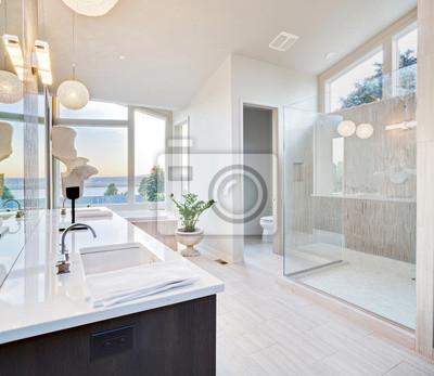 Bild Schöne Badezimmer in Luxus-Haus