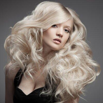 Bild Schöne blonde Frau. Lockigen langen Haaren