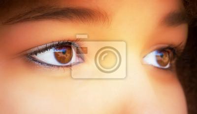 Schöne braune Augen