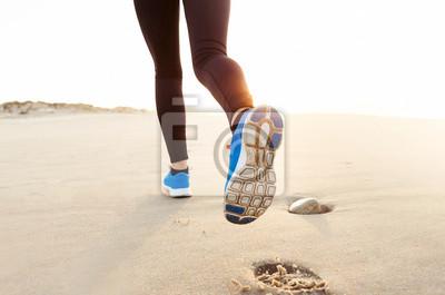 Schöne Frau, die Lauf