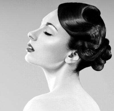 Bild schöne Frau mit professionellen Frisur