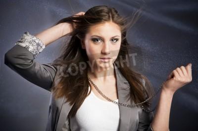 Mädchen braune haare blaue augen Findet ihr