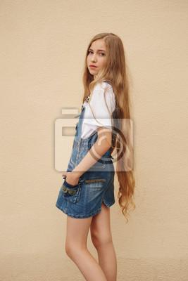 Schöne Junge Mädchen Mit Langen Haaren Leinwandbilder Bilder