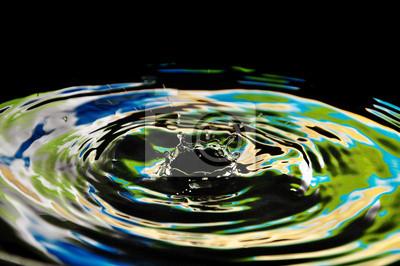Schöne Spritzer Wasser gelb-grün neon Tropfen