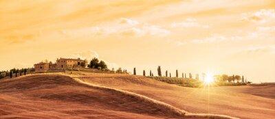 Bild Schöne typische Panorama-Landschaft der Toskana bei Sonnenuntergang, Italien