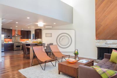 Bild: Schöne und große wohnzimmer mit holzböden in