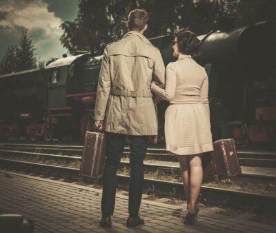 Bild Schöne Vintage-Stil Paar mit Koffern