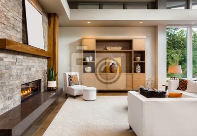 Schöne wohnzimmer interieur mit parkettboden und kamin in neuen ...