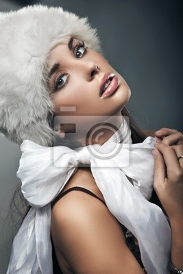 Schönheit Brunette mit Schleife