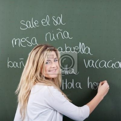 schülerin Schreibt spanisch vokabeln