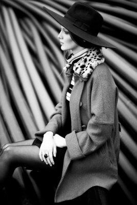 Bild Schwarz-Weiß-Mode-Frau