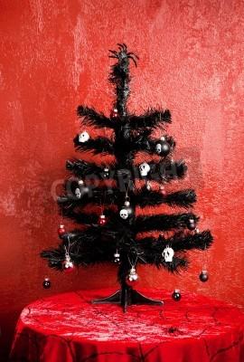 Schwarzer Weihnachtsbaum.Bild Schwarzer Weihnachtsbaum Mit Gotischen Verzierungen Mit Spinne