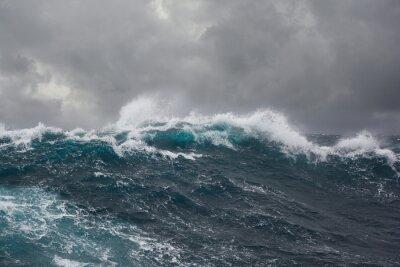 Bild sea wave during storm in atlantic ocean