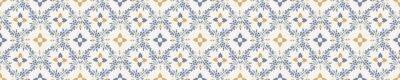 Bild Seamless ornate medallion border pattern in french cream linen shabby chic style. Hand drawn floral damask bordure. Old white blue background.  Interior home decor edging. Ornate flourish ribbon trim
