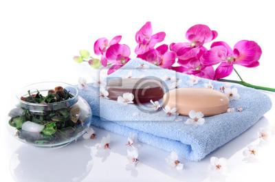 Bild Seife und Badesalz auf einem Handtuch