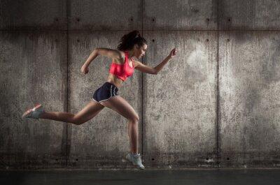 Bild Seitenansicht des laufenden Frau
