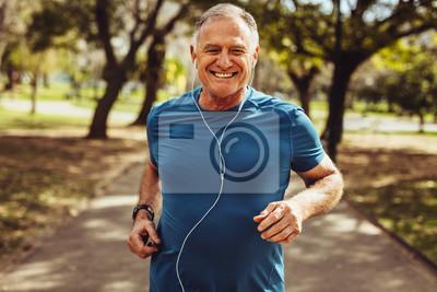 Bild Senior man working out for good health